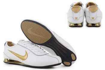 newest 72587 00ddb Chaussures Nike Shox R3 Homme N8 Noir Blanc