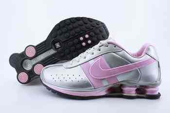low priced 42656 b0158 Chaussures Nike Shox R4 Femme F1 Rose Blanc