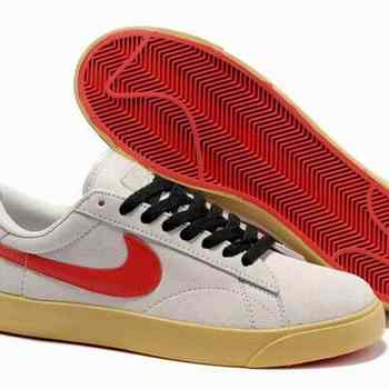 cheap for discount f2cae 2a394 Boutique basse pour homme Nike Classic AC ND daim beige Red Shoe